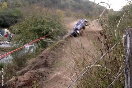 Hirvonen bu virajda bankete çarptı ve yarış dışı kaldı