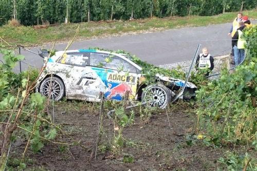 Latvalanın Golfu kazadan sonra Foto;wrc.com)